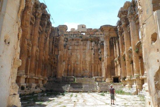 Templos de Baalbek: Inside the Bacchus temple
