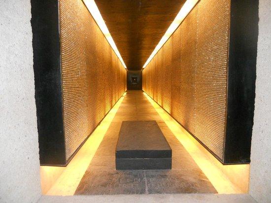 Mémorial des Martyrs de la Déportation : Deportation Memorial: hall of lights