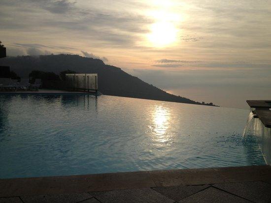 Hotel Les Terrasses d'Eze: pool