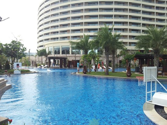 InterContinental Sanya Haitang Bay Resort : hotel pool