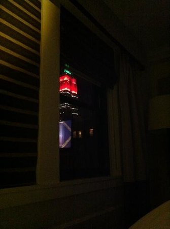 The Tuscany - A St Giles Signature Hotel: empire State Building visto dalla camera al 15 piano