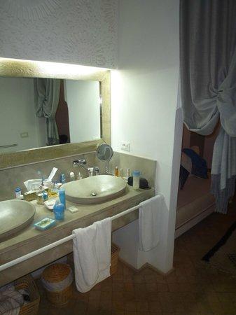Riad Nashira & Spa : jolie salle de bain