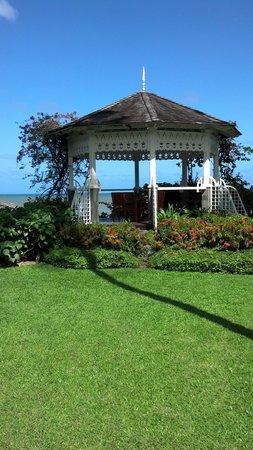 Sandals Halcyon Beach Resort: gazebo