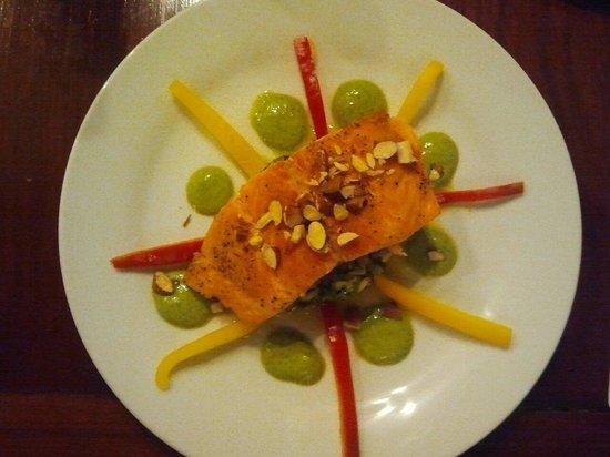 Azul Hotel & Restaurante: Salmon