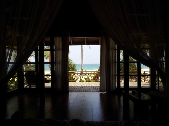 Amara Ocean Resort: The beach viewed from the room