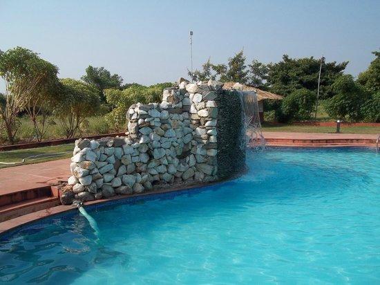Aum Health Resort: fountain