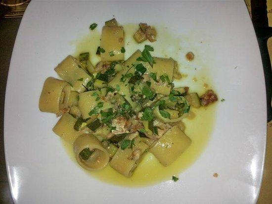 La Taverna a Santa Chiara: calamarata