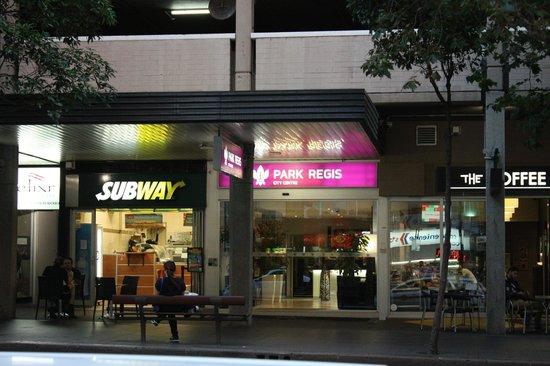 Park Regis City Centre : Entrance