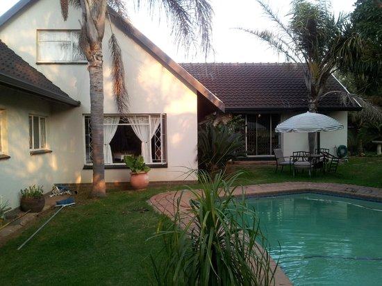 Airport Modjadji Guesthouse: Guest house