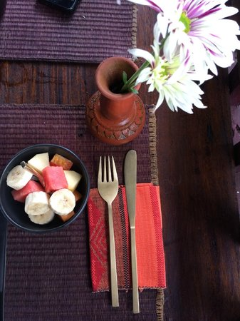 Naga Hill Resort: Breakfast (fruit)