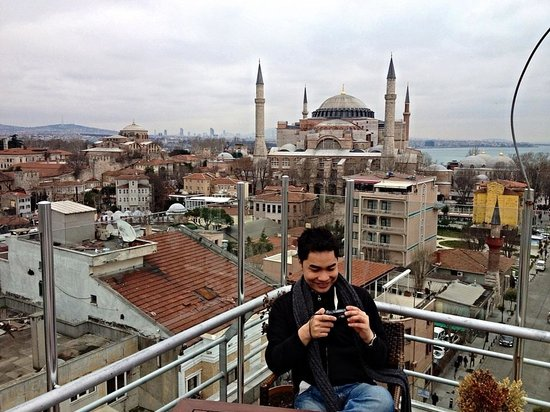 Adamar Hotel: I love the roof top!