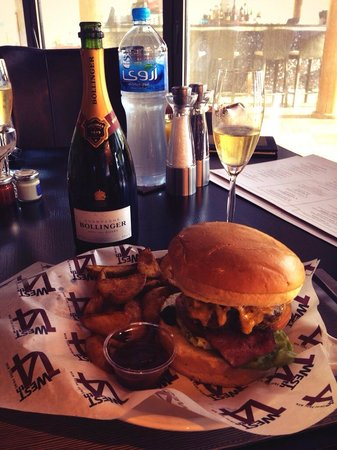 West 14th Steakhouse - New York Grill and Bar : Burger and Bolly!