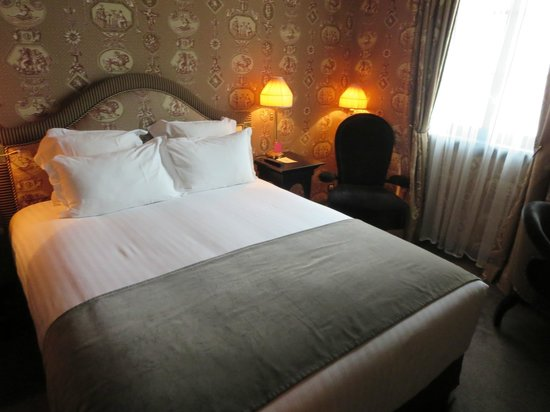 Maison Athenee: ベッド