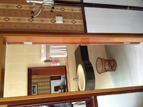 Dengyue Hotel(Fuhua Middle Road): シャワールーム