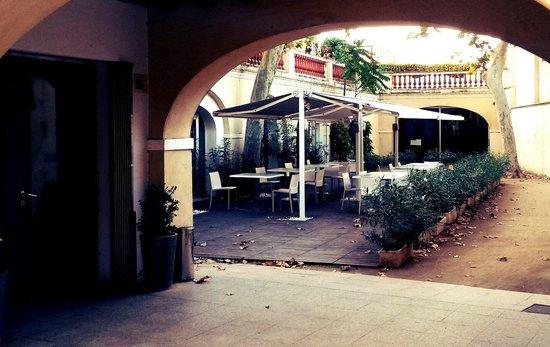 Entrada aire restaurant picture of aire restaurant sant - Casas sant feliu de llobregat ...