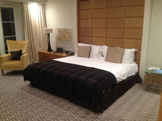 The Grove Hotel: Most comfortable bed ever!