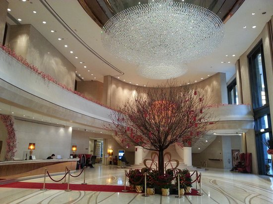Harbour Grand Hong Kong: excellent lobby