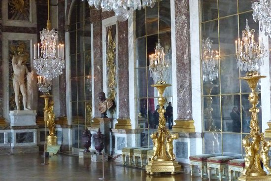 La Galerie des Glaces : The Hall of Mirrors - Versailles