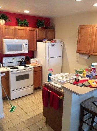 Venetian Bay Resort: kitchen area fully stocked!