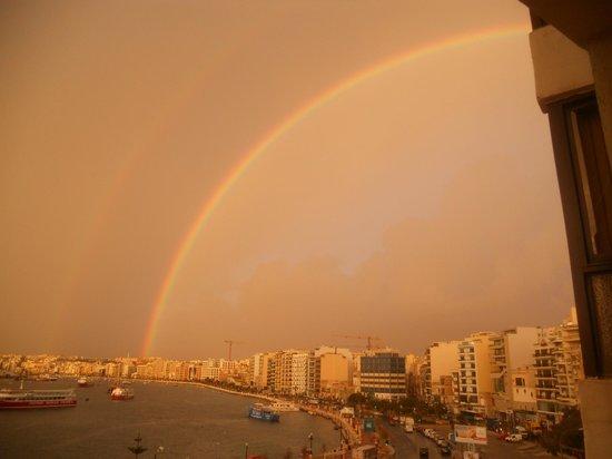 Sliema Marina Hotel: arcobaleno al mattino