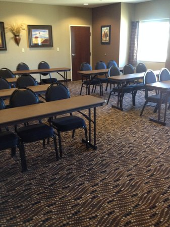 Microtel Inn & Suites by Wyndham Sidney : Meeting Space Classroom