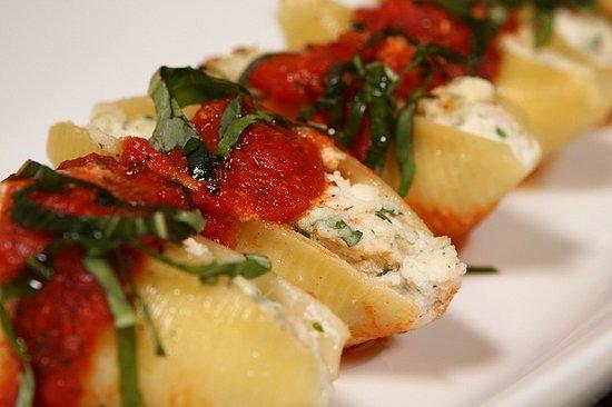 Gigi's Italian Restaurant: Ricotta Stuffed Shells