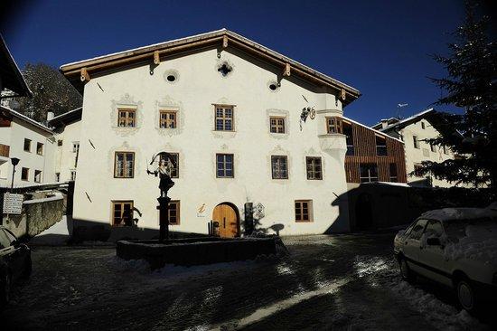 Lounge mit offenem kamin   picture of romantik hotel weisses kreuz ...