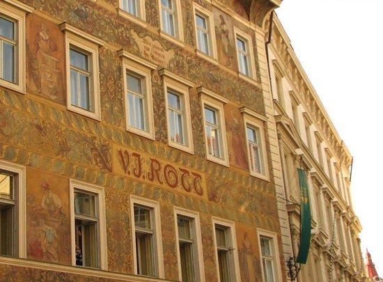 Rott Hotel : Вид на отель с улицы