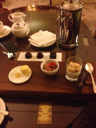 Gidleigh Park : Coffee and petit fours