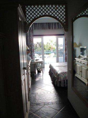 """Seaside Los Jameos Playa : Unser Zimmer im """"El Hierro"""", die verschiedenen Häuser haben eigene Namen"""