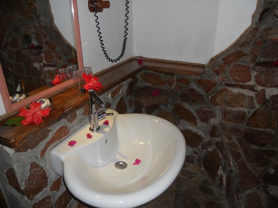 Colibri Guest House: bathroom