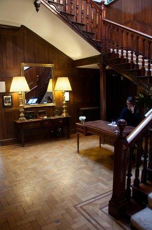 Buckland Tout-Saints Hotel: Hall way & reception