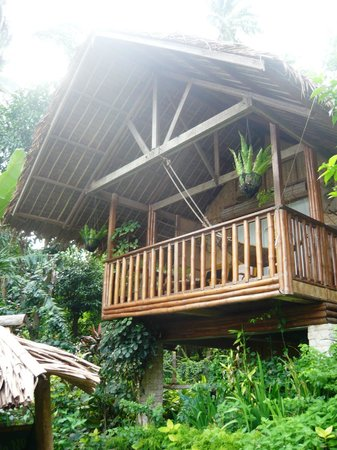 Coco Beach Island Resort: The hilltop casitas all have a verandah