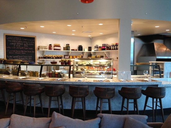 Figue Mediterranean Restaurant : one of several eating spots