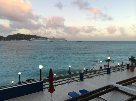 Sonesta Great Bay Beach Resort, Casino & Spa: View from 450