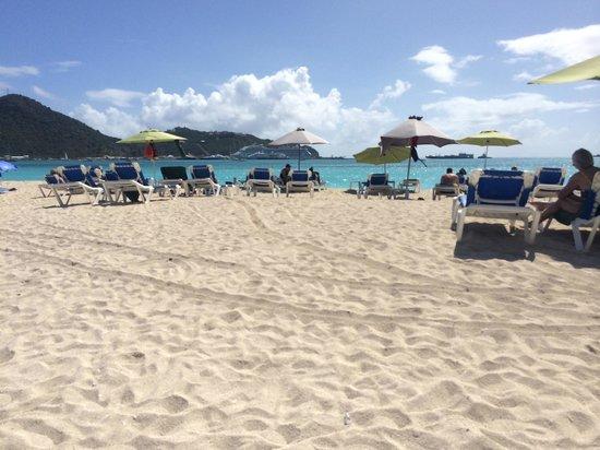 Sonesta Great Bay Beach Resort, Casino & Spa: Beach