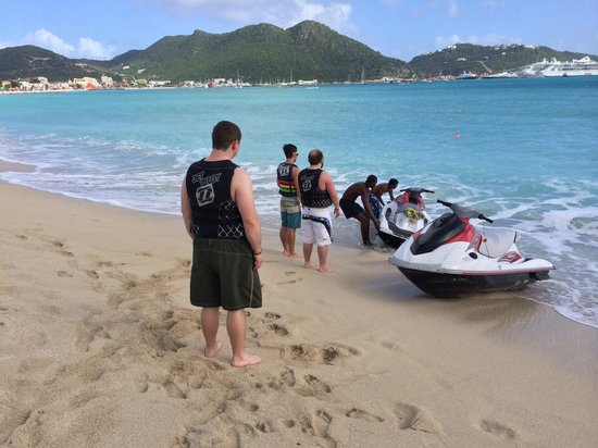 Great Bay Beach Resort, Casino & Spa: Rented jet skis