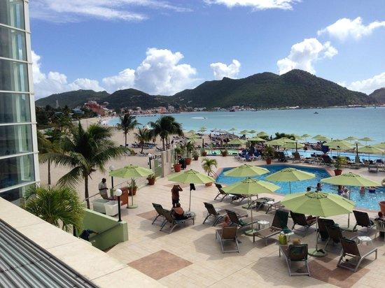 Sonesta Great Bay Beach Resort, Casino & Spa: View from lobby