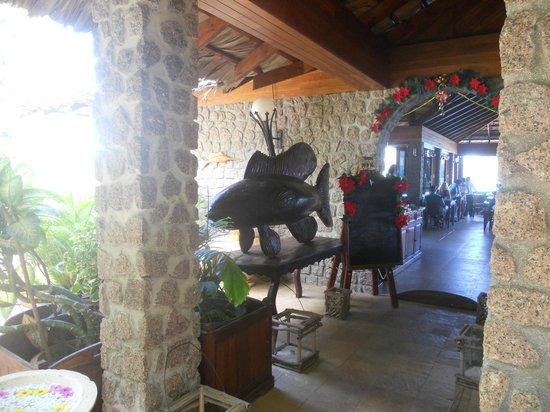 Colibri Guest House: restaurant main entrance