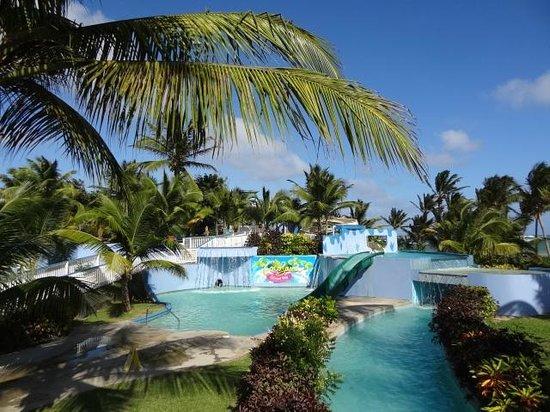Coconut Bay Beach Resort & Spa: LAZY RIVER, KIDS POOLS