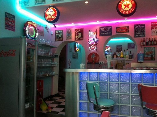 Little Rock Diner : Bar area