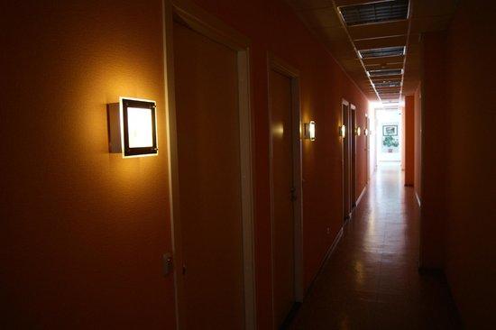 Sky Hotel: В коридоре