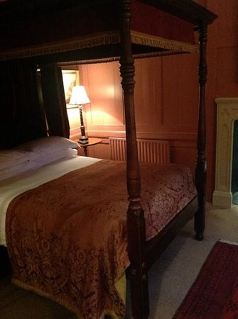 Hazlitt's : beautiful four poster bed