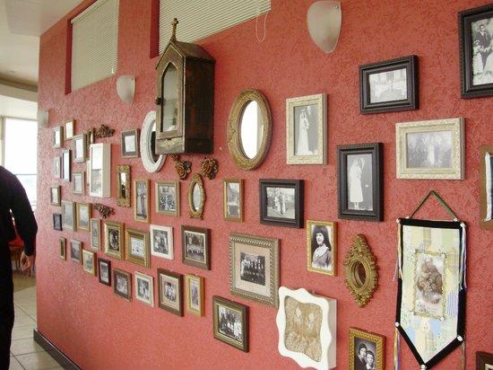Mascaron Restaurante Giratorio: Achei de muito bom gosto a decoração, com diversos quadros antigos.
