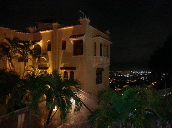 Howard Johnson Hotel Ponce PR: El Castillo Serralles, Ponce PR