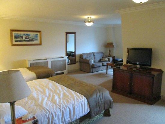 Bracken Court Hotel: room