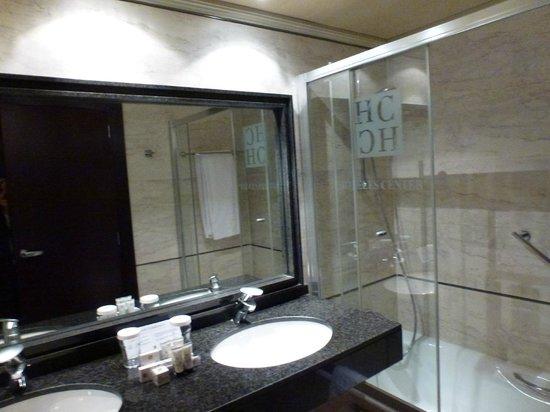 Sevilla Center Hotel: Baño