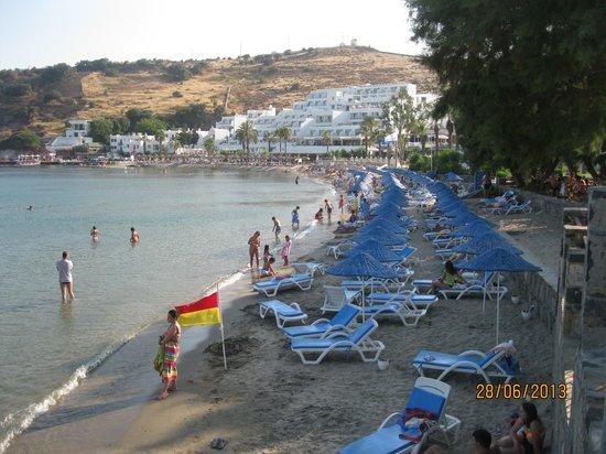 Azka Otel : beach