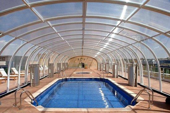 Piscina climatizada picture of amura alcobendas hotel for Piscina climatizada