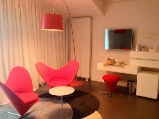 AbanoRitz Thermae & Wellness Hotel: Il salotto nella mia camera design numero 515